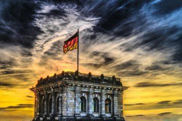 Links gegen Rechts - Politik und Diskussion im Reichstag