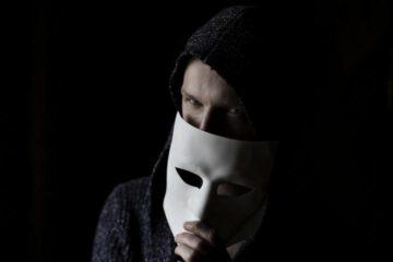 Betrug im Internet - Unseriöse CFD-Trading-Plattformen, Romance Scamming, Enkeltrick, Schockanruf und falsche Polizeibeamte. Betrüger haben derzeit Hochkonjunktur und leider oftmals auch leichtes Spiel. Meistens ist das Geld der Opfer weg!